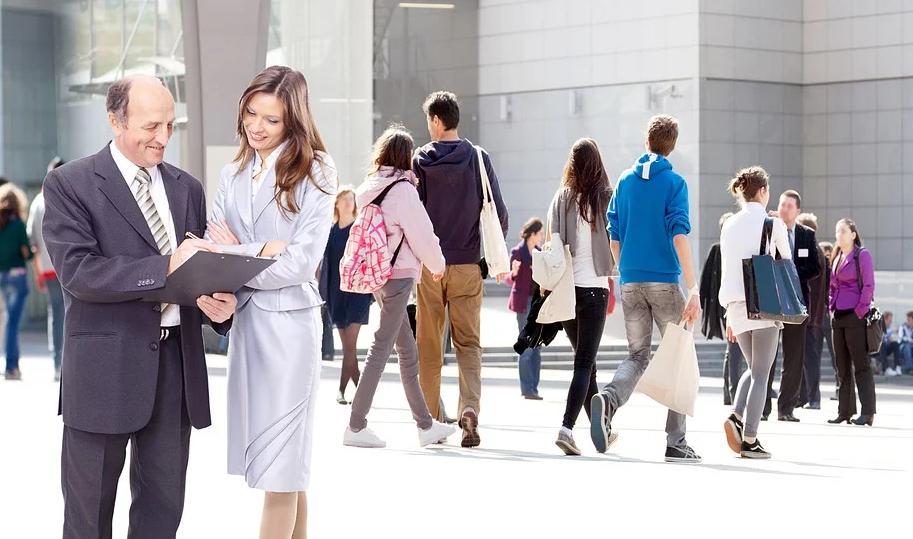 什么是斜杠青年?为什么很多职场人做起了斜杠青年?